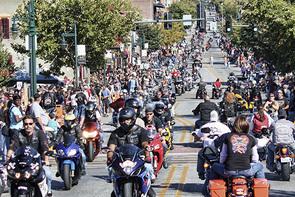 Bikes, Blues & BBQ 摩托车租赁