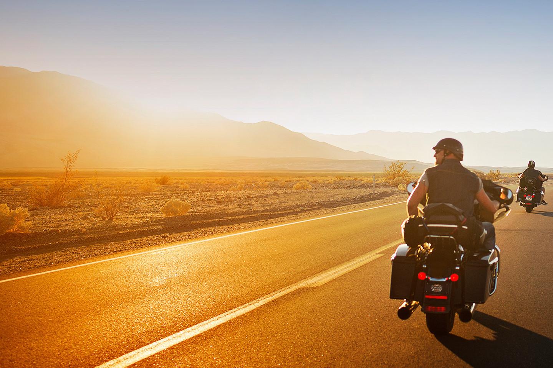 摩托车租赁和旅游